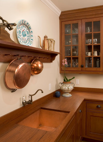 Traditional Kitchen by Lasley Brahaney Architecture + Construction
