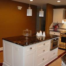Eclectic Kitchen by Kitchen & Bath Etc.