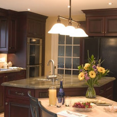 Traditional Kitchen by c3d design