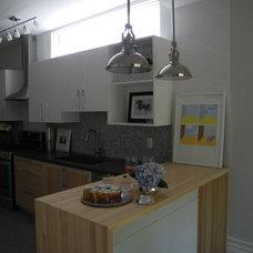 Contemporary Kitchen by Delo Interiors Inc.