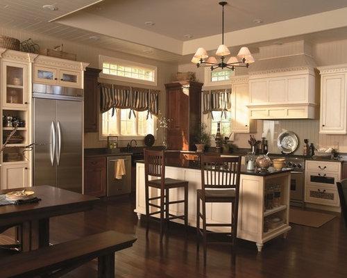 Cream burgundy curtains kitchen design ideas for Burgundy kitchen ideas