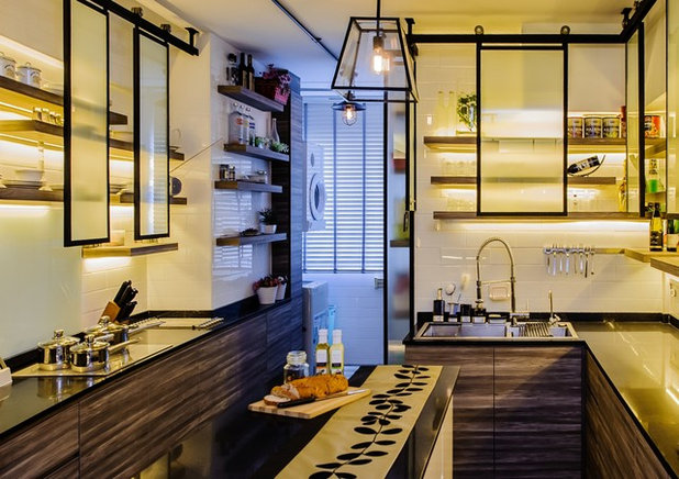 Eclectic Kitchen by Ideal Design Interior Pte Ltd