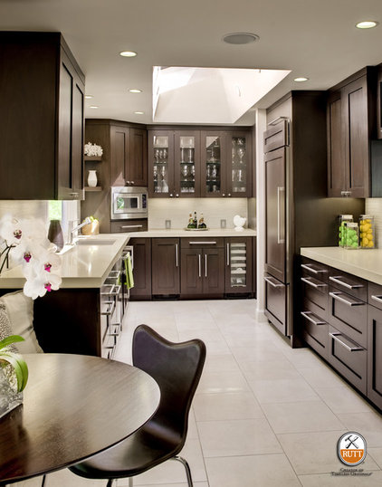 Contemporary Kitchen by Rutt HandCrafted Cabinetry