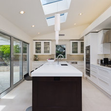 Contemporary Kitchen by Noelle Interiors