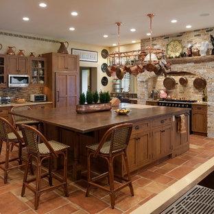 Mediterrane Küche mit Kupfer-Arbeitsplatte in Philadelphia