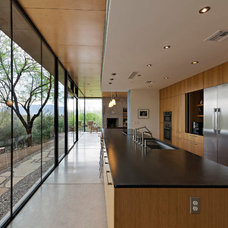 Modern Kitchen by repp + mclain design and construction