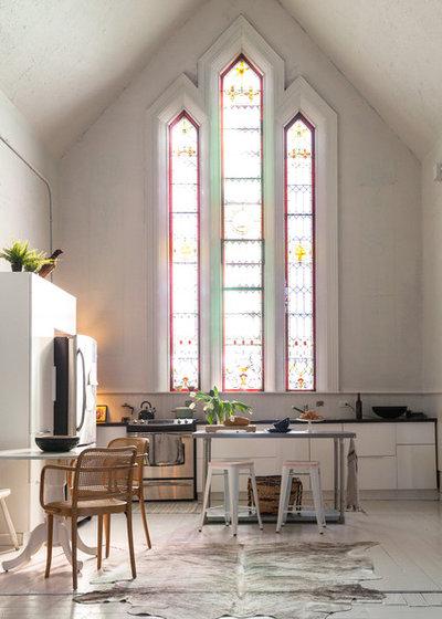 Farmhouse Kitchen by Jenn Hannotte / Hannotte Interiors