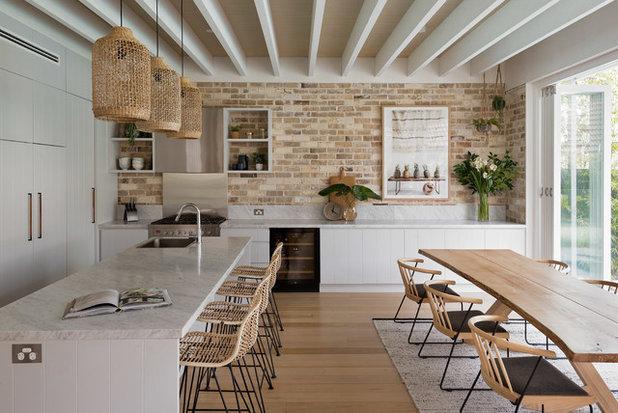 ビーチスタイル キッチン by Studio 1 Interiors