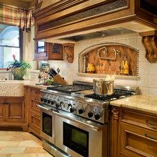 Mediterranean Kitchen by Steve Richmond Fine Homes