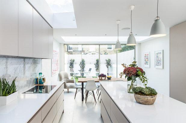 コンテンポラリー キッチン by Jo Cowen Architects
