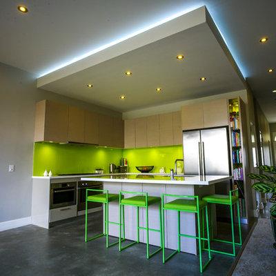Trendy l-shaped kitchen photo in Sydney
