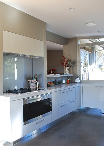 Contemporary Kitchen by Luci.D Interiors