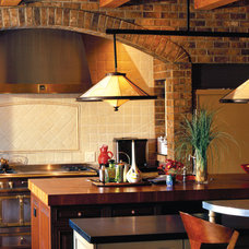 Traditional Kitchen by Candelaria Design Associates