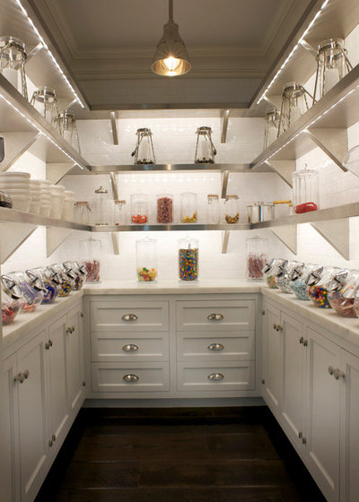 American Traditional Kitchen by East End Country Kitchens