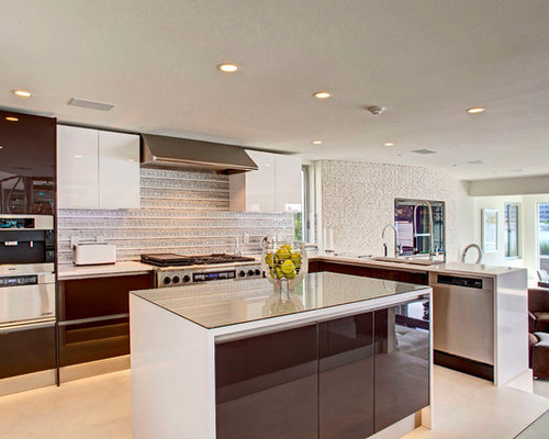 Coastal kitchen design ideas renovations photos with for Beach kitchen cabinets