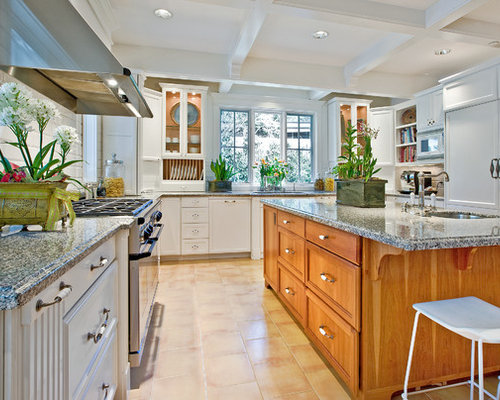 Kitchen staging ideas pictures remodel and decor for Kitchen staging ideas
