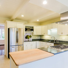 Traditional Kitchen by B&N Realty Trust