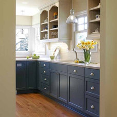 Traditional Kitchen by Janel Campbell, CKD,CBD,CAPS/Neil Kelly Company