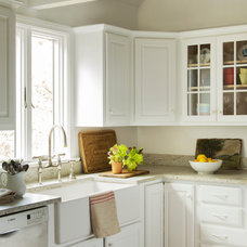 Beach Style Kitchen by kelly mcguill home