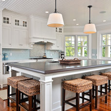 Traditional Kitchen by JB Robbie Builders Inc.