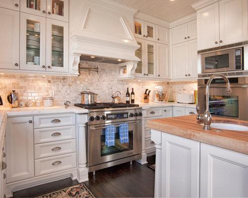 Cape cod style for Cape kitchen designs