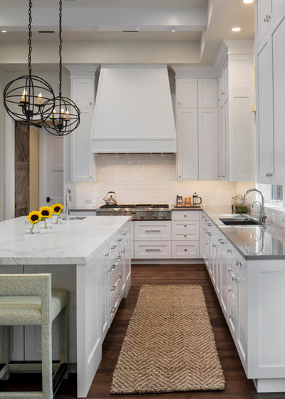 Beach Style Kitchen by Browdy & Browdy