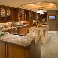 Traditional Kitchen by 41 West