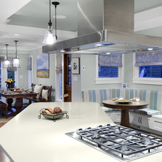 Traditional Kitchen by Klondike Contracting