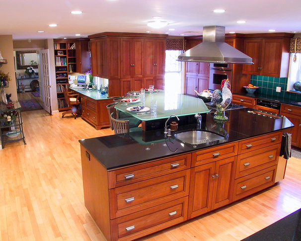 Traditional Kitchen by DSA Architects