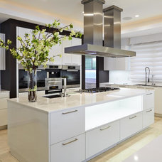 Contemporary Kitchen by AUDE  SMITH Architecture, Inc.