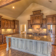 Traditional Kitchen by Punnett Construction
