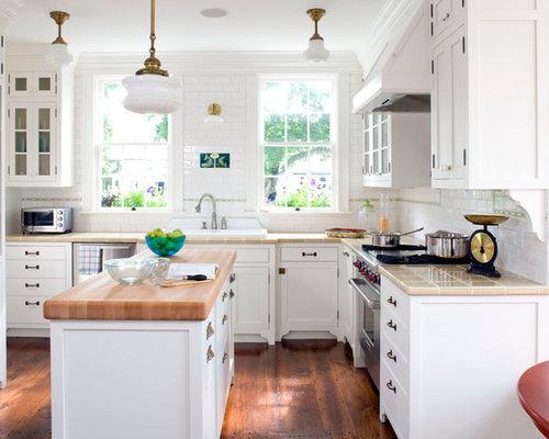 cuisine bord de mer avec un plan de travail en carrelage photos et id es d co de cuisines. Black Bedroom Furniture Sets. Home Design Ideas