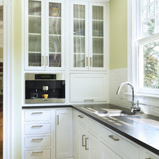 Traditional Kitchen by Union Studio, Architecture & Community Design