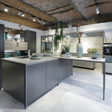 carbon kitchen with plants