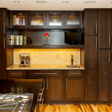 Contemporary Kitchen Cardell Cabinetry - Parr Cabinet - Seattle, WA