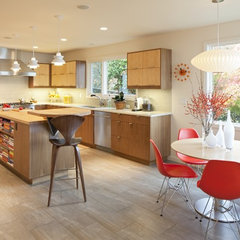modern kitchen by Celeste Lewis Architecture