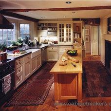 Farmhouse Kitchen by Kochman Reidt + Haigh Cabinetmakers
