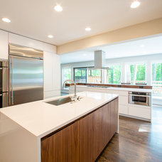 Contemporary Kitchen by Workshop11