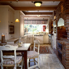 Traditional Kitchen by Viscusi Elson Interior Design - Gina Viscusi Elson