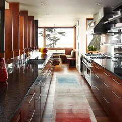 modern kitchen by Dirk Denison Architects