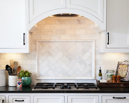 Mid Sized Traditional Kitchen Ideas   Mid Sized Traditional U Shaped Kitchen  Idea Part 79