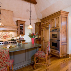Traditional Kitchen by Michelle Pheasant Design, Inc.