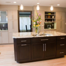 traditional kitchen by Carolina Kitchens