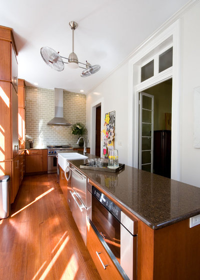 Traditional Kitchen by Carolina Kitchens
