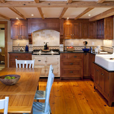 Traditional Kitchen by LDa Architecture & Interiors