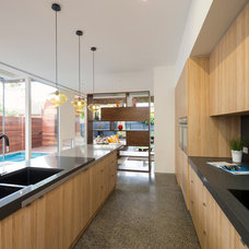 Contemporary Kitchen by Dig Design