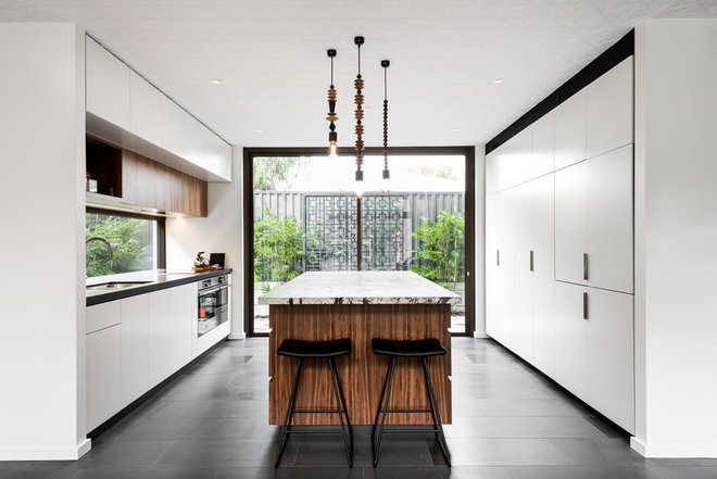 Contemporary Kitchen by Klopper and Davis Architects