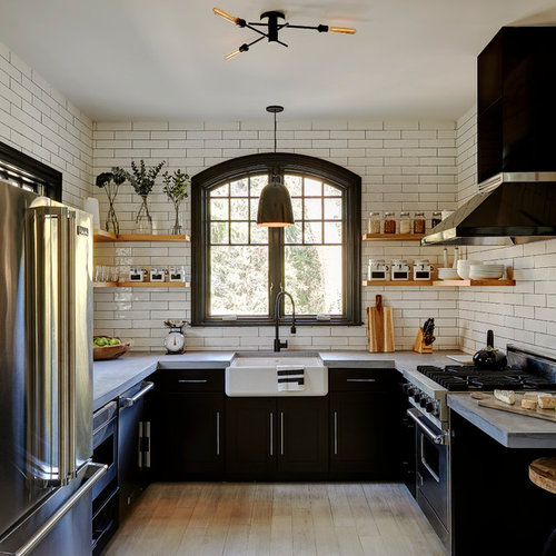 Mid sized farmhouse enclosed kitchen ideas  country u shaped light 30 Best Farmhouse Kitchen with Black Cabinets Ideas Houzz