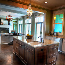 Traditional Kitchen by Sunset Properties of Tampa Bay