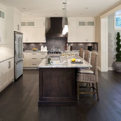 modern kitchen by Wallmark Homes